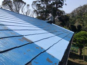 屋根塗装 薄い色の部分が今回塗装色